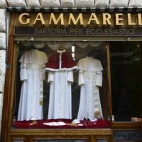 Pronto l'abito del nuovo Papa